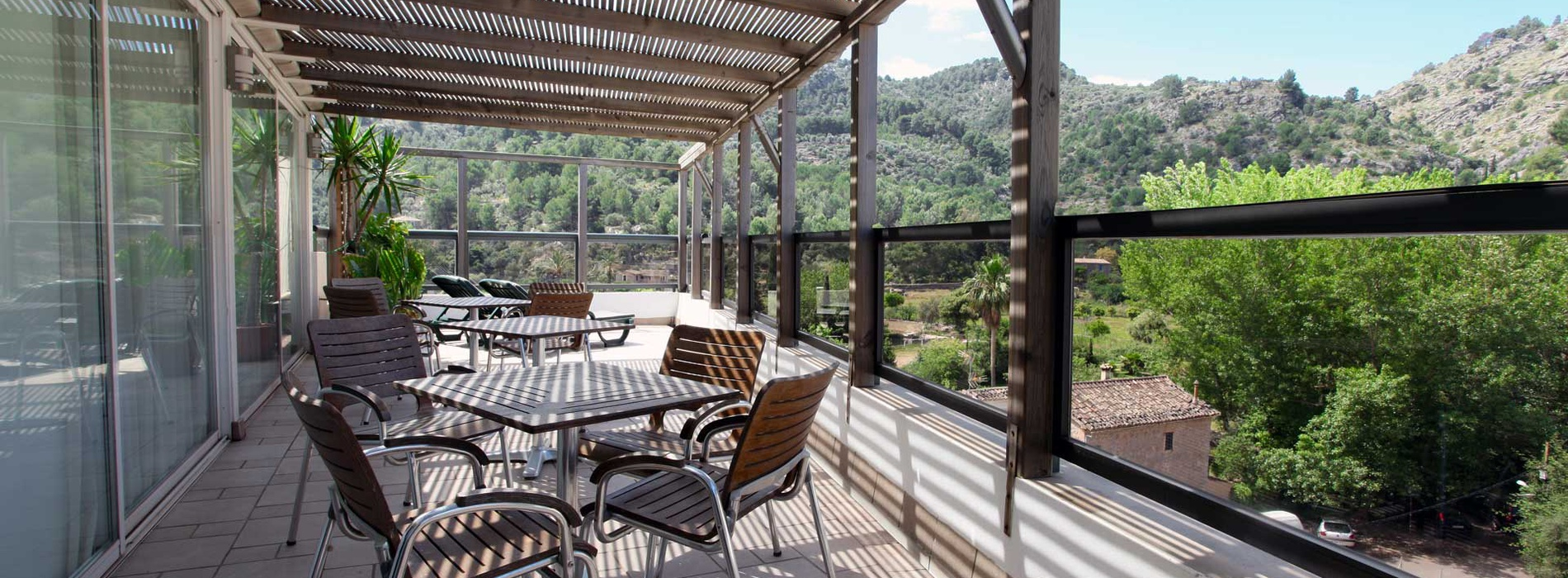 Hotel with pool in Soller