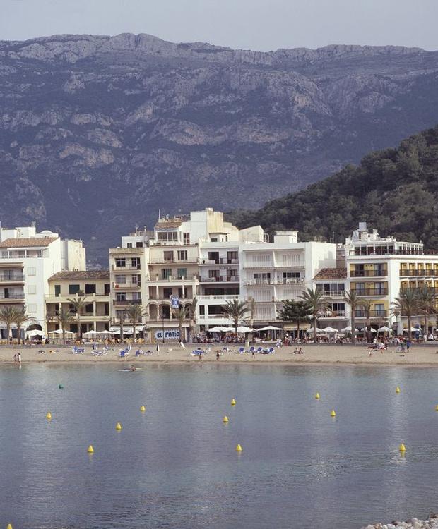 Facade Los Geranios Hotel