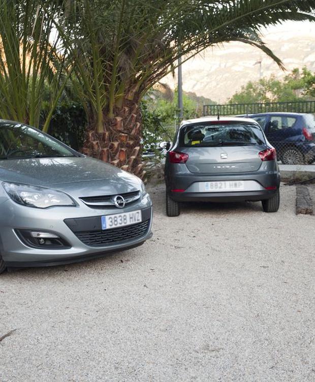 Car park Los Geranios Hotel