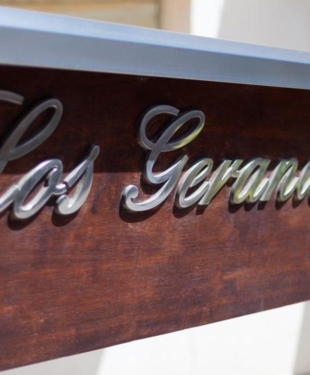 Entrance Los Geranios Hotel